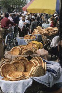 ouzbekistan_fergana_bazar_poussette_pain