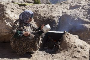 tadjikistan_saritag_aylok_alpage_femme_lait