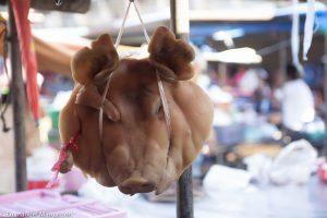 thailande_marche_cochon_tete