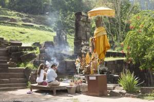 Laos, prière, bouddhisme, encens