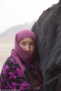 tadjikistan_femme_lait_traite